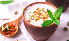 We get many benefits from drinking saffron milk.
