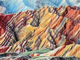ऐसे रंगीन पहाड़ जो आपने कभी भी नही देखे होगें