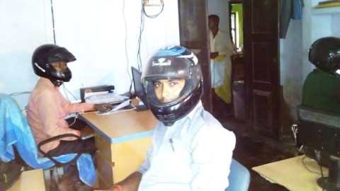 Employees work in this office wearing helmets, know what is the big reason behind doing this