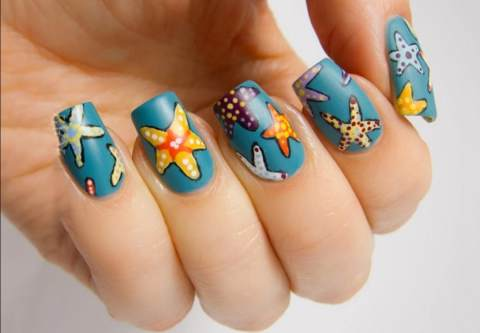See this nail art design in today's trend, which you can use in any b party