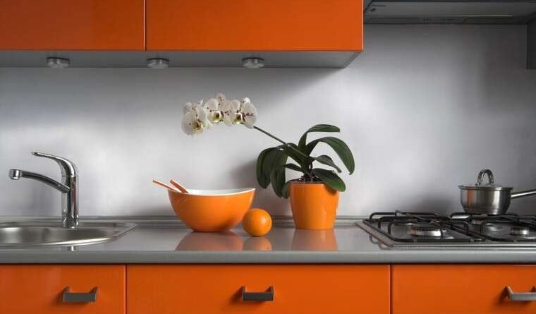 What color should the kitchen be, it can shine on you. Know about it.
