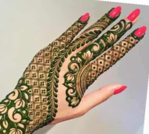 These mehndi designs will give beauty to your hands