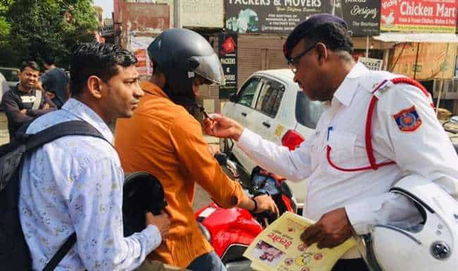 Policemen in Lucknow will have to break traffic rules, will have to pay double the challan