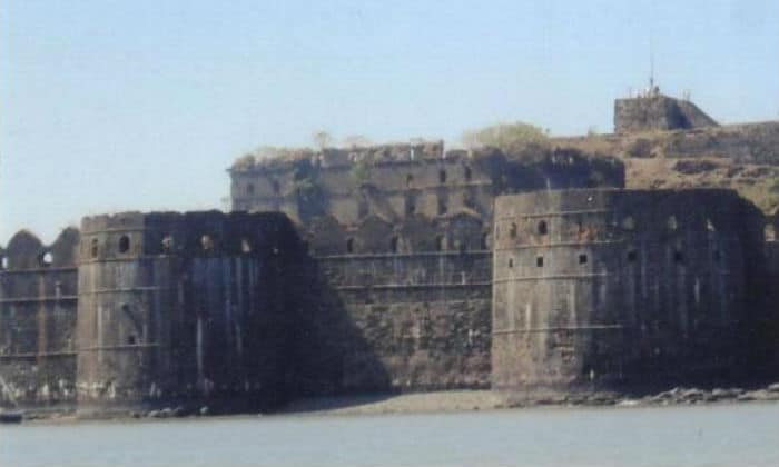 This fort of India is 350 years old, where the secret of ghosts