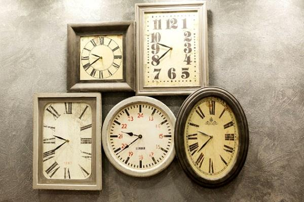 According to Vastu, it is inauspicious to put a clock at these places in the house