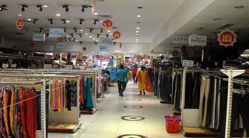 नोएडा में मॉल्स और रेस्टोरेंट्स खुलने के लिए करना होगा अभी ओर इंतजार- DM