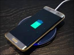 वायरलेस चार्जिंग फोन कैसे काम करता है? जानिए