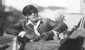 बॉलीवुड के किस अभिनेता को ब्लैक टाइगर कहा जाता है?