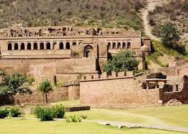 क्या यह सच है कि भानगढ़ के किले में यदि कोई रात गुजारता है तो उसकी मौत हो जाती है? जानिए