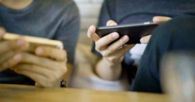 हर समय ऑनलाइन होना आपके मानसिक स्वास्थ्य को पहुंचा रही हैं नुकसान अध्ययन के दावे