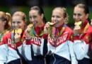 ओलंपिक एथलीट अपने पदक जीतने के बाद अपने दांतों से क्यों काटते हैं? जानिए वजह
